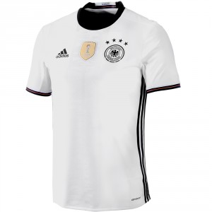 Das neue DFB Trikot zur EM 2016