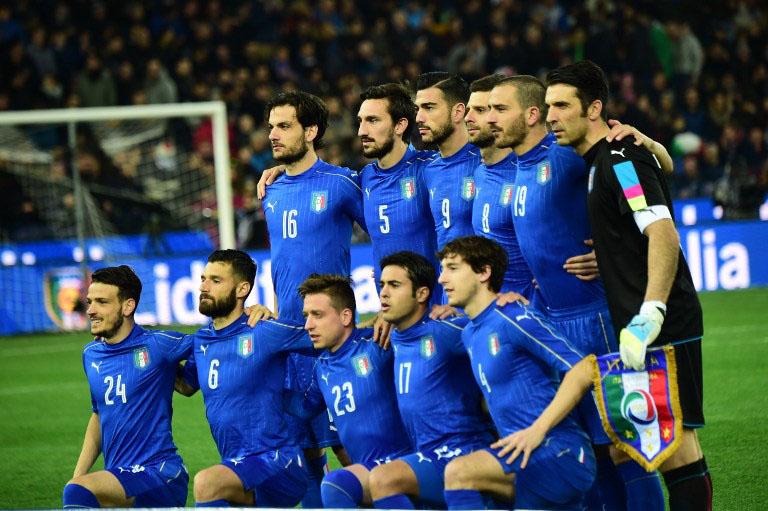 Italienische Startaufstellung gegen Spanien am 24.März.2016. / AFP / GIUSEPPE CACACE
