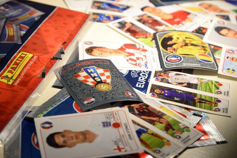 """AM 15.3.2016 wurden die Panini Sticker zur """"UEFA EURO 2016"""" in Paris vorgestellt. / AFP / BERTRAND GUAY"""