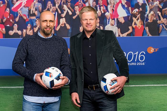 Holger Stanislawski und Oliver Kahn (Copyright: ZDF/Svea Pietschmann)
