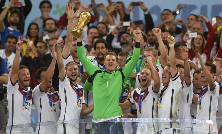 Deutschlands Nationalmannschaft wird am 13. Juli 2014 Weltmeister in Brasilien. Steht nun mit dem aktuellen EM-Kader der nächste Titel an? AFP PHOTO / FABRICE COFFRINI