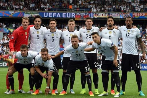 Die deutsche Aufstellung gegen Nordirland bei der EM 2016. AFP PHOTO / PATRIK STOLLARZ
