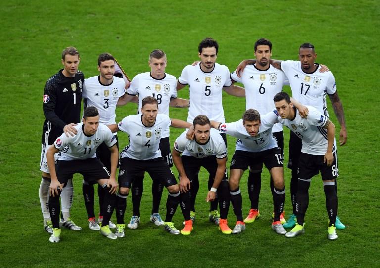 Die deutsche Aufstellung gegen Polen im Stade de France in Saint-Denis bei Paris am 16.Juni 2016. / AFP PHOTO / FRANCISCO LEONG
