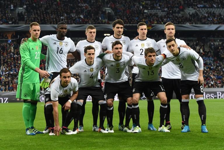 Deutsche Startaufstellung gegen Italien am 29.März 2016 - zum zweiten Mal im neuen DFB-Heimtrikot 2016 / AFP / CHRISTOF STACHE