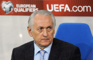 Ukraine's Nationaltrainer Mikhail Fomenko. AFP PHOTO/YURKO DYACHYSHYN